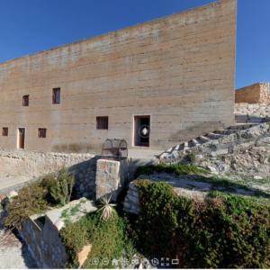 Una pantalla táctil permitirá visitar las Casas-Cueva desde el Museo Dámaso Navarro