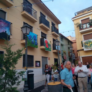 Art Al Balcó invade los balcones del centro histórico de Petrer hasta el 29 de septiembre
