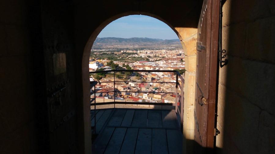 puerta abierta castillo
