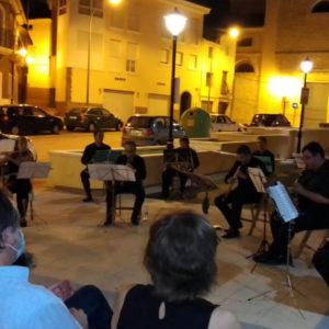 La música clásica se interpretó a las puertas del Museo Dámaso Navarro
