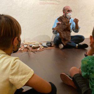 El CEIP Reina Sofía realizó la primera visita escolar al Museo Dámaso Navarro desde el confinamiento