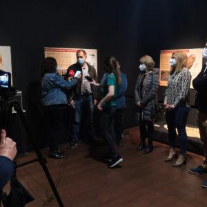 """El Museu Dámaso Navarro estrena la seua sala d'exposicions amb """"Cuidar, guarir, morir"""""""